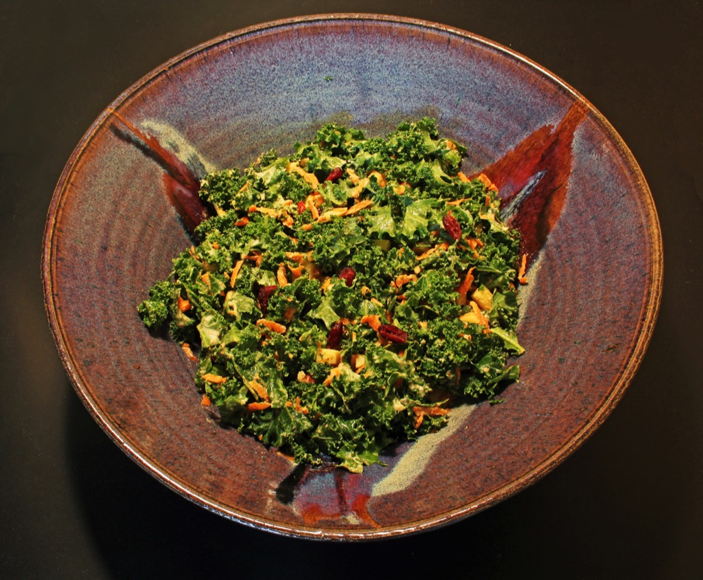 Salade de Kale, sauce curry-amandes – Kale slaw, dressing w. curry and almonds