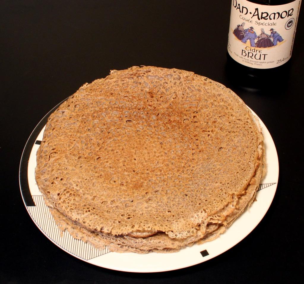 """Pâte pour galettes de blé noir – Buckwheat pancakes batter (""""galettes"""")"""